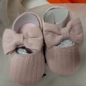 Baby girl shoes size 1